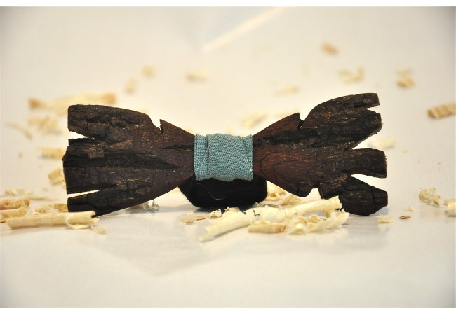 Wood bow tie carved Biondo