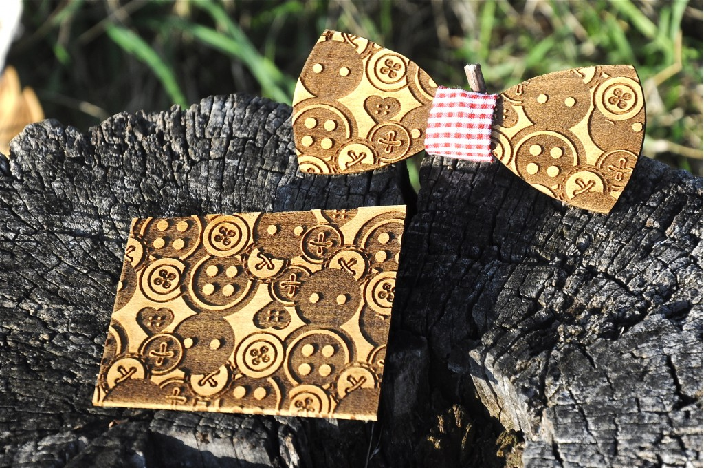 Wood bow tie pocket engraved Inciso