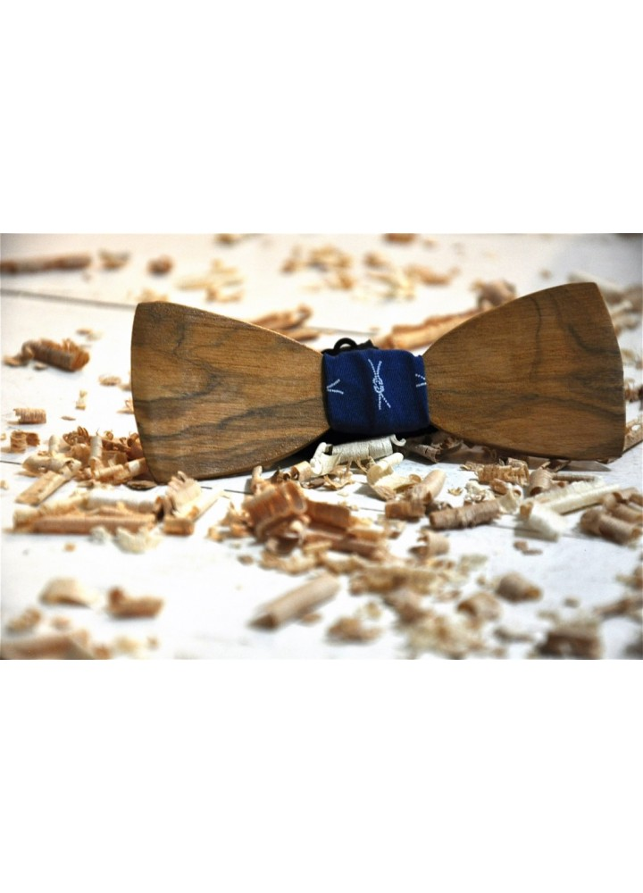 Wood bow tie carved Carolos